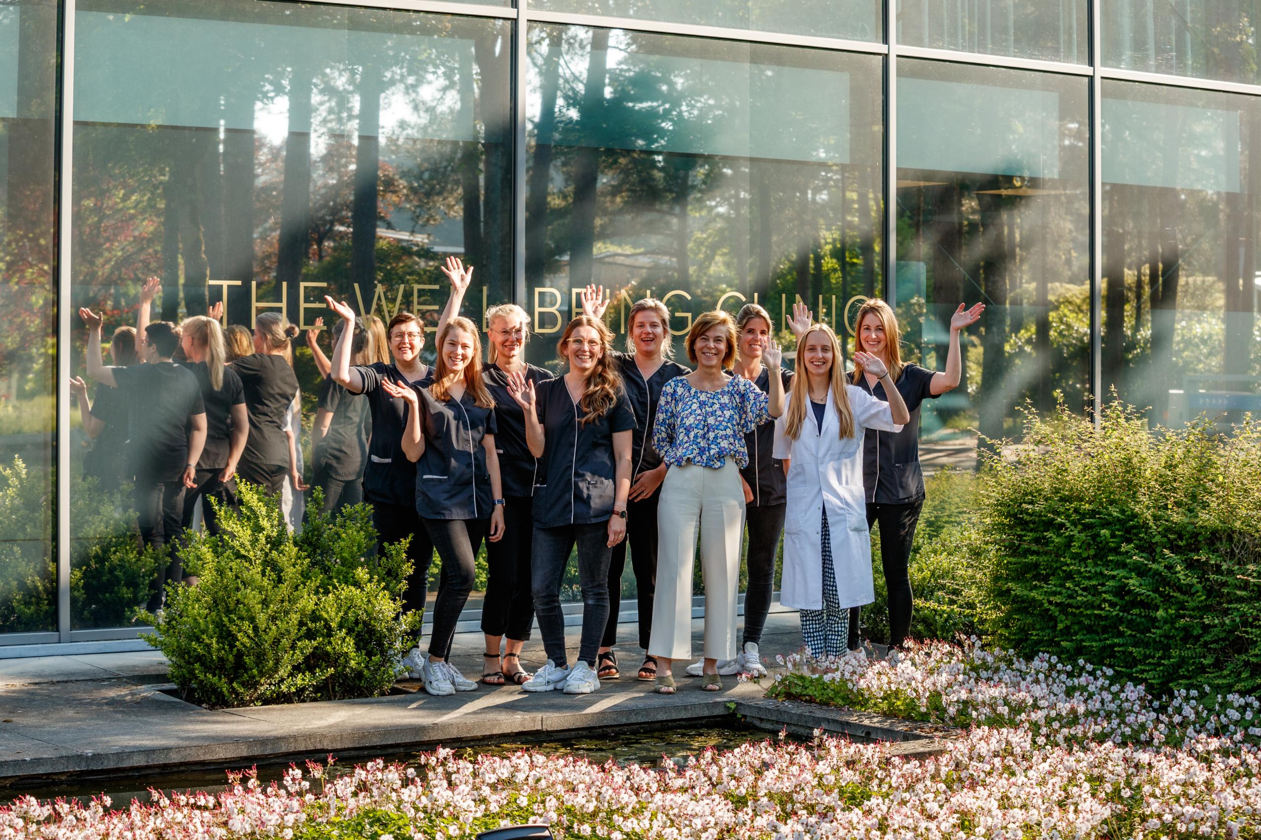 Het Da Vinci Clinic team staat met veel plezier voor u klaar.